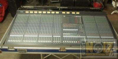 Yamaha m3000 40 channels