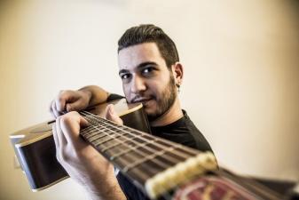 Μαθήματα ακουστικής κιθάρας από RGT Tutor