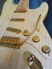 ΖΗΤΗΣΗ - Gold Strat tremolo 52,5mm