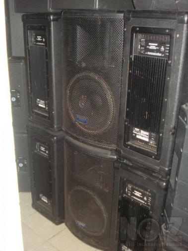 MACKIE SA 1521 133 dB  Αυτοενισχυόμενα