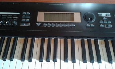 Αρμόνιο (Keyboard) Korg TR88