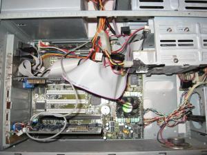 QDI Titanium 1b - Pentium MMX - Sound Blaster AWE64