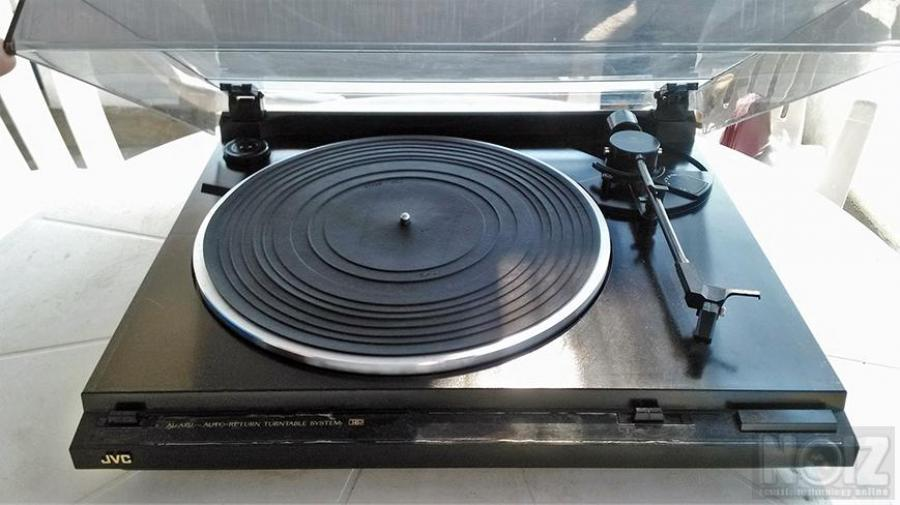 JVC PickUp Turntable