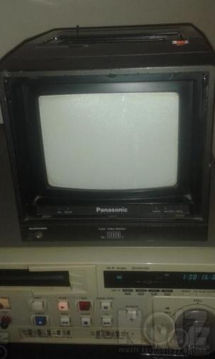 PROFESSIONAL Panasonic Color video monitor TC 800T