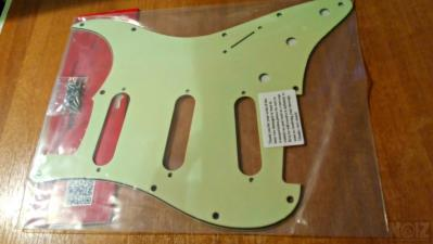 REVERSE BRIDGE  Stratocaster Pickguard (Jimi Hendrix) +Backplate (Mint Green)