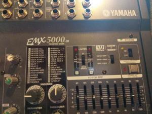 YAMAHA EMX 5000-20 ΑΥΤΟΕΝΙΣΧΥΟΜΕΝΗ