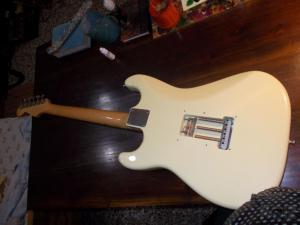 custom  stratocaster 30 ετων....ευκερεια