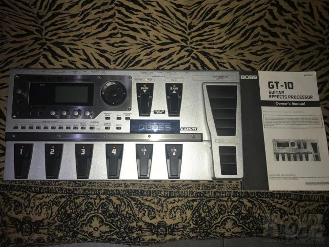 BOSS GT10 MULTI EFFECT PROCESSOR