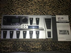 BOSS GT10 MULTI EFFECT PROCESSOR + SOFT CASE