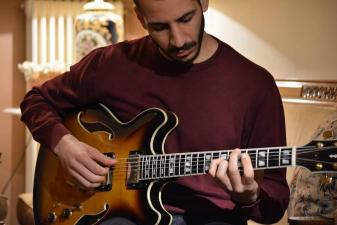 Μαθήματα Ακουστικής και Ηλεκτρικής κιθάρας