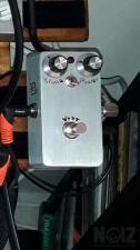 Voxi blue pedals