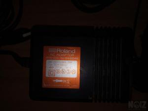roland  boss ac adaptor 9volt acb 220 1200ma τροφοδοτικο japan