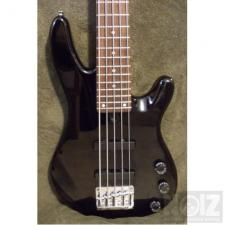 yamaha bb405 5 strings bass + hard case