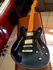 Ltd. Ed. Fender Modern Player STARCASTER