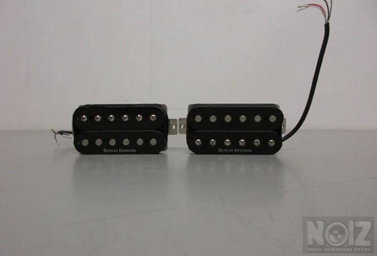 Duncan designed HB-10N humbucker (neck) and Duncan Designed HB-103B humbucker (bridge)