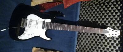 Upgraded ηλεκτρική κιθάρα Samick (Greg Bennett)