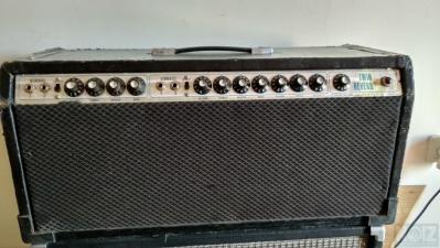 Πωλείται κεφαλή Fender Twin Reverb