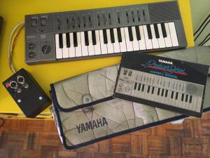 YAMAHA CS01 w MIDI RETROFIT (HIGHLY LIQUID)