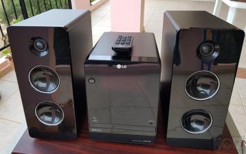 Πωλείται σύστημα στερεοφωνικό LG CM2760