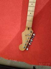 Squier Maple neck Jumbo frets Made In Korea