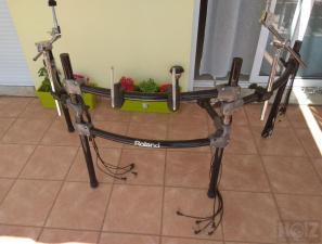 Πωλείται rack MDS 12BK της Ρoland.