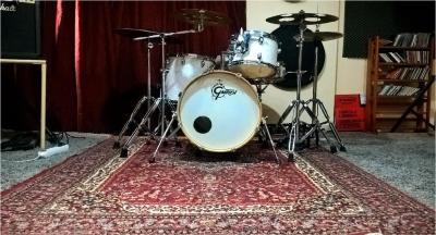 Παραδίδονται ιδιαίτερα μαθήματα drums
