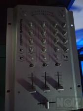 Πωλείται μικτης Numark DM3050 σε αριστη κατασταση