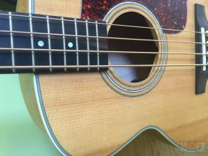 GUILD JUMBO ACOUSTIC ELECTRIC JUNIOR BASS