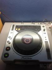 Pioneer CDJ 800