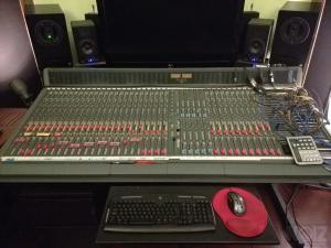 Soundcraft Sappyhre 36ch inline studio console