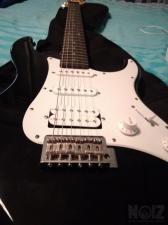 Πωλείται κιθάρα με ενισχυτή