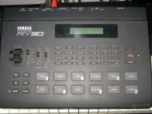 Drum Machine Yamaha RY30
