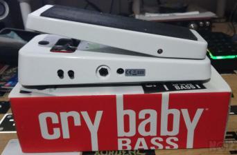 Dunlop CBM105Q Cry Baby Bass Wah