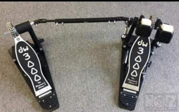 DW 3000 Double Drum Pedal