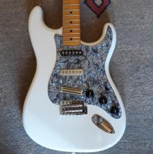 Squier Classic Vibe Stratocaster 50s white