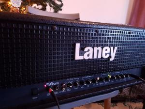 LANEY MXD 120H + FOOTSWITCH